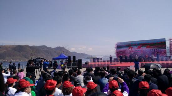 """2017丹东・宽甸""""鸭绿江之春""""桃"""