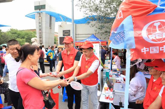 助力高考 中铁上海局北方公司开展志愿者服务