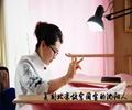 复刻北京故宫国宝的沈阳人何晓霞,中国刺绣艺术大师、中国非遗协会刺绣艺委会培训部副主任、当代辽绣创始人,现在北京从事故宫国宝复刻工作。[播放]