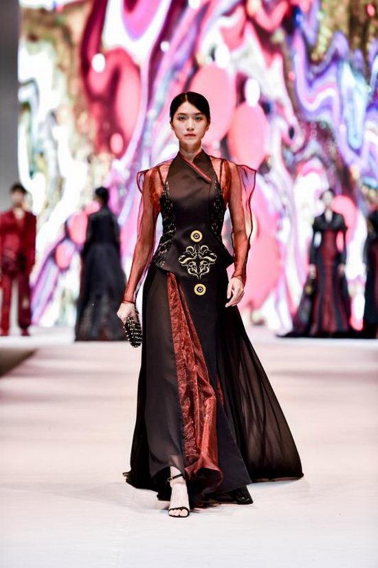 2019年鲁迅美术学院染织服装艺术设计系毕业秀举行