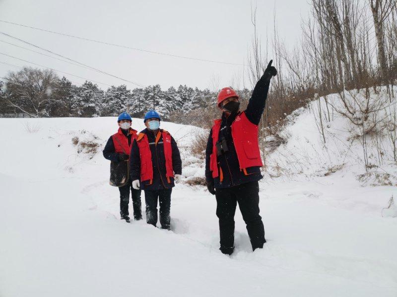積極應對暴風雪確保遼陽電網安全